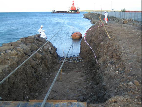 中海油印尼SES油田海底管线登陆安装项目(2005年)